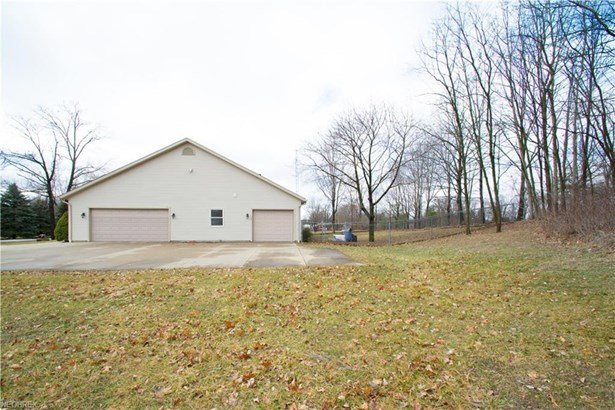 1359 Hilltop Rd, Mogadore, OH - USA (photo 3)