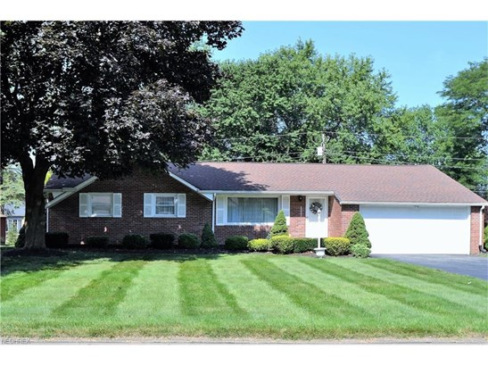 5333 Lindford Ave Northeast, Canton, OH - USA (photo 1)