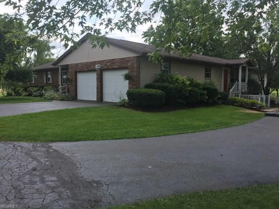 1398 Midway St Northwest, Uniontown, OH - USA (photo 2)