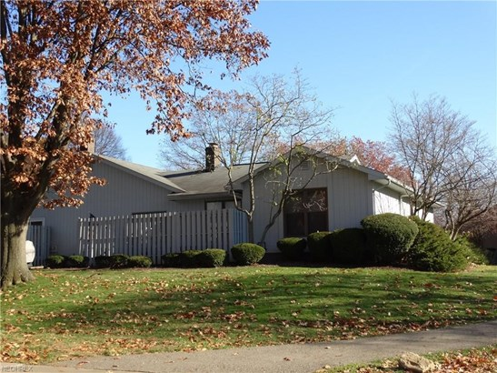 1214 Center Hill Sq Northeast, Canton, OH - USA (photo 2)