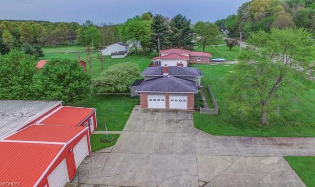6152 Canton Rd Northwest , Carrollton, OH - USA (photo 3)