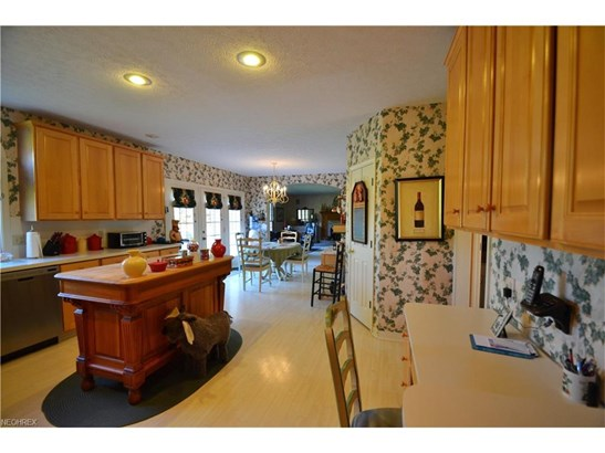 2887 Shillingford Cir Northwest, North Canton, OH - USA (photo 5)