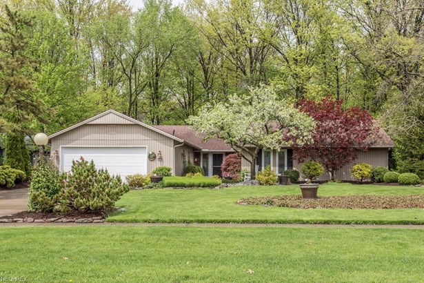 10726 Gate Post Rd , Strongsville, OH - USA (photo 1)