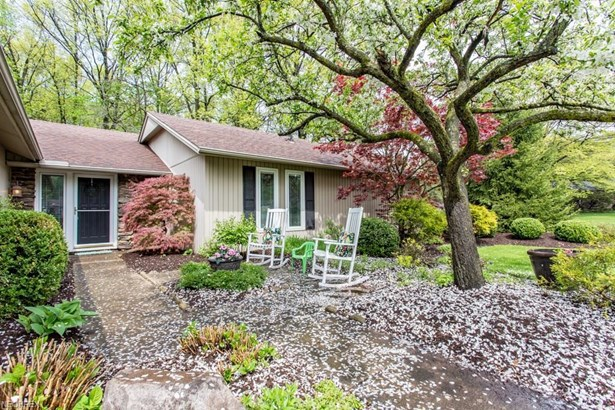 10726 Gate Post Rd , Strongsville, OH - USA (photo 3)