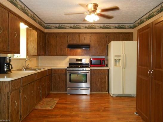 817 Ironwood St Southwest, Canton, OH - USA (photo 5)