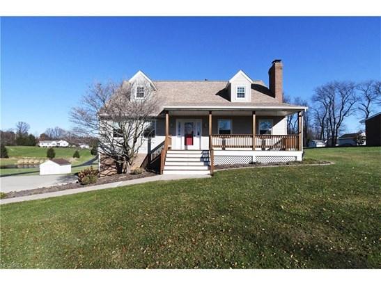 575 East Maple St, Hartville, OH - USA (photo 1)