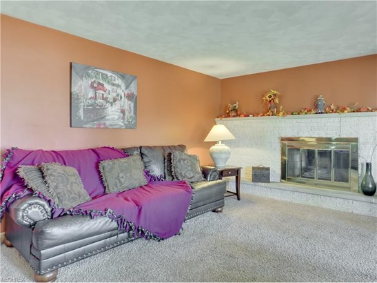 5187 Ault Ave Northeast, Louisville, OH - USA (photo 5)