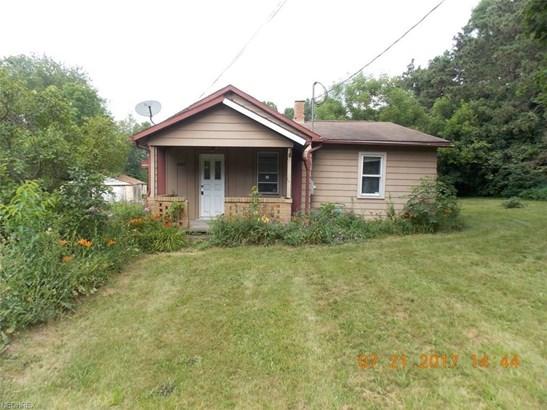 2216 Waynesburg Dr Southeast, Canton, OH - USA (photo 1)