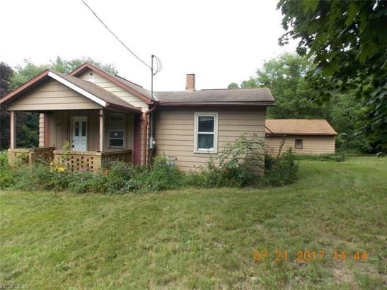2216 Waynesburg Dr Southeast, Canton, OH - USA (photo 2)