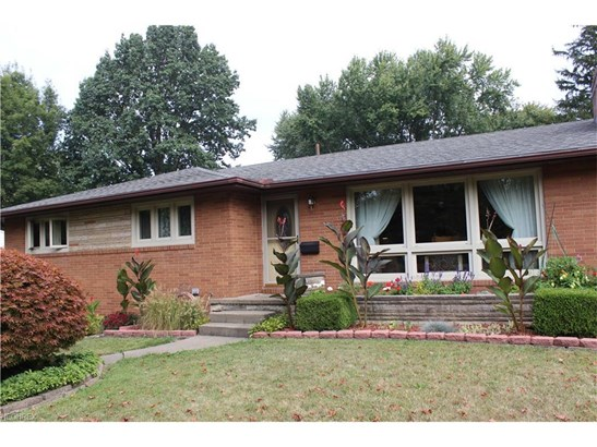 3753 Crestwood St Northwest, Canton, OH - USA (photo 2)