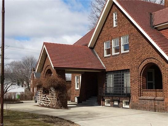 1051 Wales Rd Northeast, Massillon, OH - USA (photo 3)