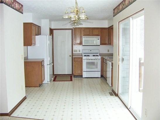 355 Kentwood Ave Northeast, Alliance, OH - USA (photo 5)