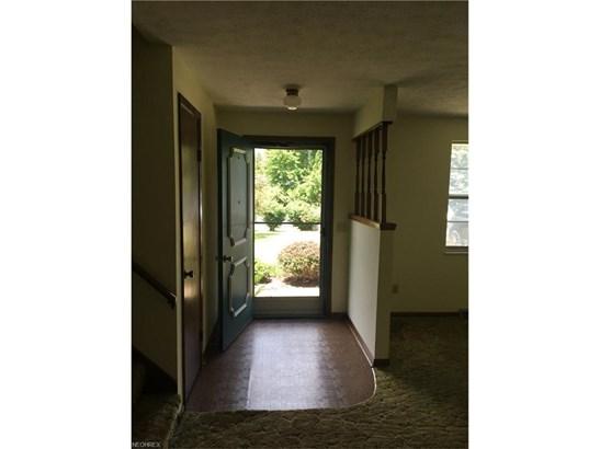 9484 Rohrland St Northwest, Massillon, OH - USA (photo 4)