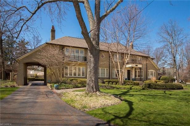 18102 Clifton Rd, Lakewood, OH - USA (photo 1)