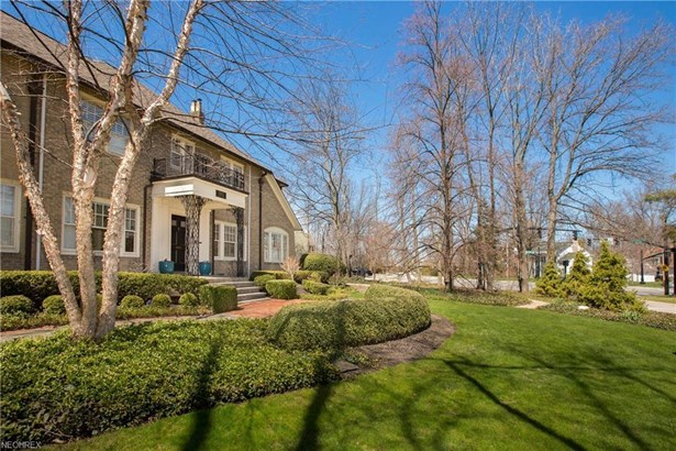 18102 Clifton Rd, Lakewood, OH - USA (photo 2)