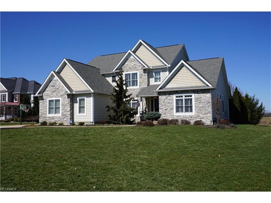 5879 Westridge Cir Northwest, North Canton, OH - USA (photo 1)