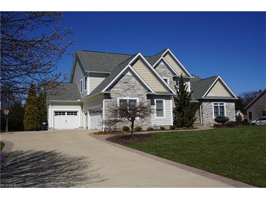 5879 Westridge Cir Northwest, North Canton, OH - USA (photo 2)