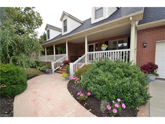 1338 East Maple St, North Canton, OH - USA (photo 2)