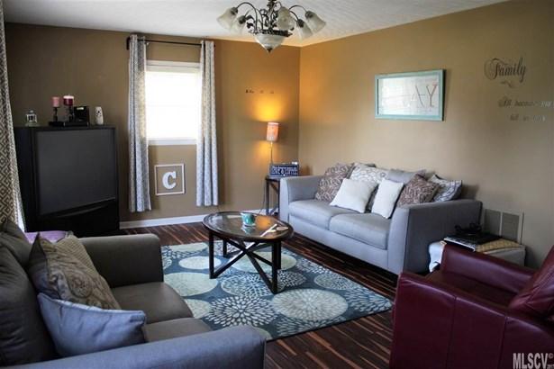 Split Level, Single Family - Claremont, NC (photo 3)