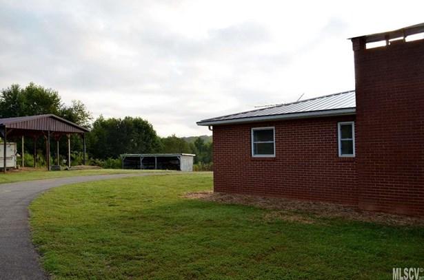 Single Family, Ranch/Bsmt - Taylorsville, NC (photo 2)