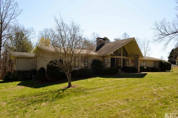 Ranch, Single Family - Newton, NC (photo 3)