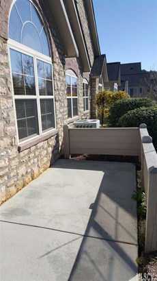 Townhouse, Townhome One Story - Hickory, NC (photo 2)