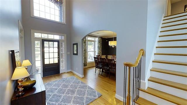 2 Story/Basement, Contemporary - Hickory, NC (photo 2)