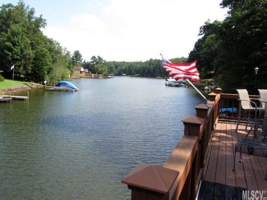 2 Story/Bsmt, Single Family - Hickory, NC (photo 1)