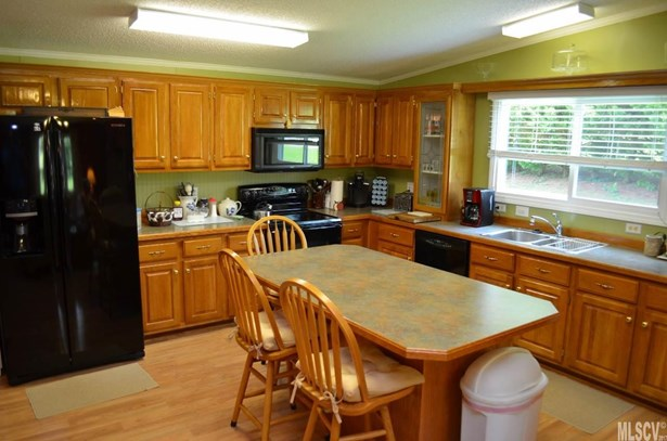 Manufactured, Single Family - Taylorsville, NC (photo 3)