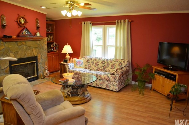 Manufactured, Single Family - Taylorsville, NC (photo 5)