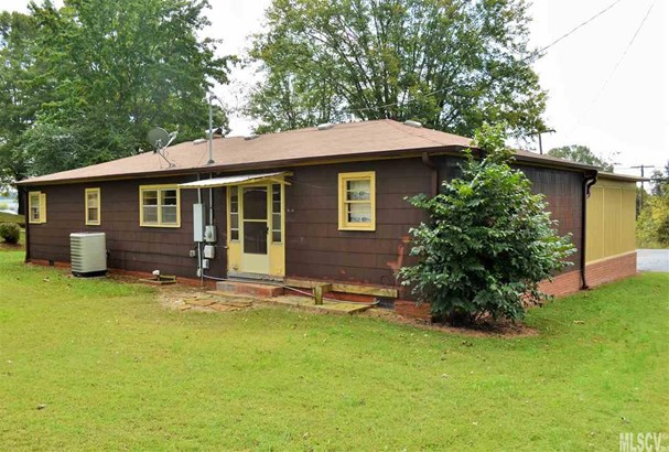 Bungalow, Single Family - Taylorsville, NC (photo 5)