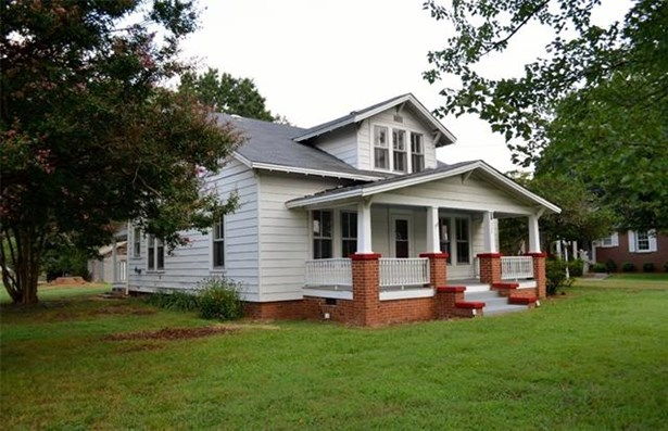 1.5 Story, Traditional - Taylorsville, NC (photo 1)