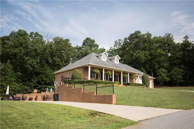 1.5 Story/Basement - Taylorsville, NC (photo 4)