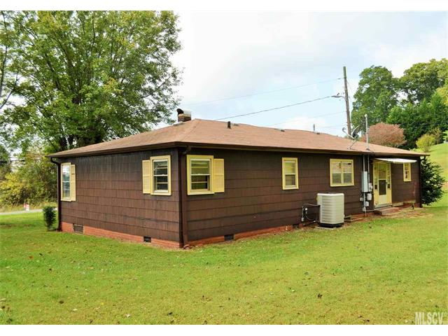Residential Property, Cottage/Bungalow - Taylorsville, NC (photo 4)