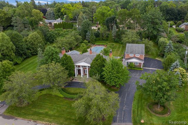 Colonial - Bloomfield Hills, MI