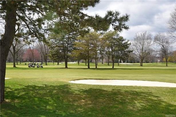 Colonial - Royal Oak, MI (photo 2)