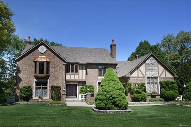 Colonial - Rochester Hills, MI (photo 1)