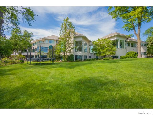 Contemporary - West Bloomfield, MI (photo 1)