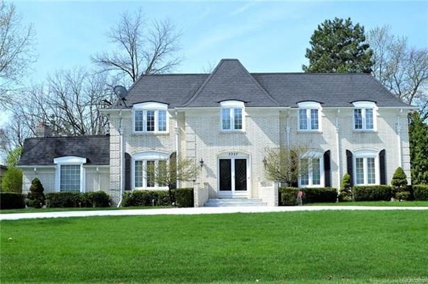 Colonial - West Bloomfield, MI (photo 1)