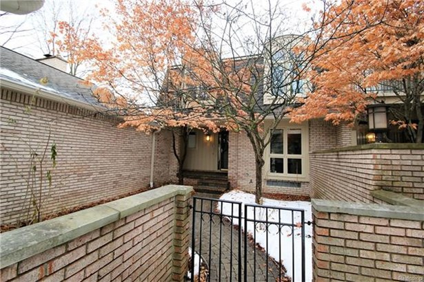 Colonial,Townhouse - Bloomfield Hills, MI (photo 1)