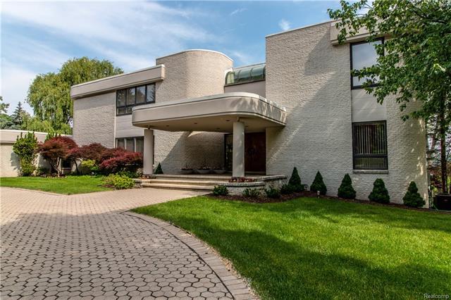 Contemporary - Bloomfield Hills, MI