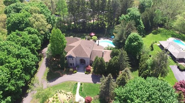 Colonial,Contemporary - Bloomfield Hills, MI (photo 1)