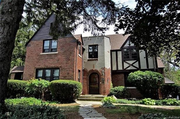 Colonial,Historic,Tudor - Pontiac, MI