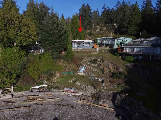 594 Holdings Road, Bowen Island, BC - CAN (photo 4)