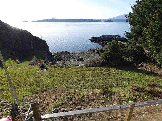 594 Holdings Road, Bowen Island, BC - CAN (photo 5)