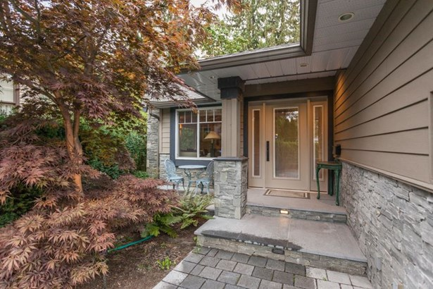3020 Griffin Place, North Vancouver, BC - CAN (photo 2)
