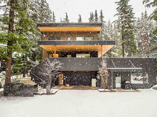 6530 Balsam Way, Whistler, BC - CAN (photo 1)