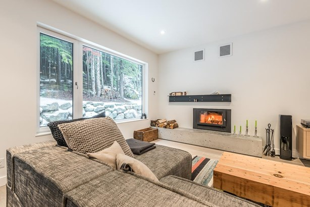6530 Balsam Way, Whistler, BC - CAN (photo 4)