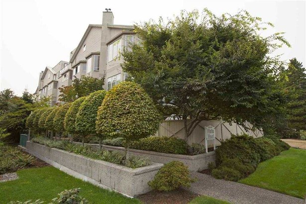 103 131 W 20th Street, North Vancouver, BC - CAN (photo 1)