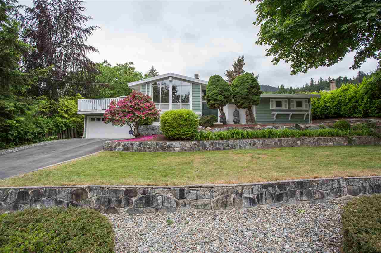 101 Glengarry Crescent, West Vancouver, BC - CAN (photo 2)